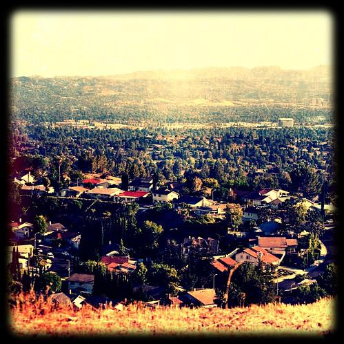 california sunlight sunshine square interesting view bluesky santamonicamountains sanfernandovalley northridge palisadespark northridgeca 91326 iphoneography picfx ipadart lifestyleseries zipcode91326