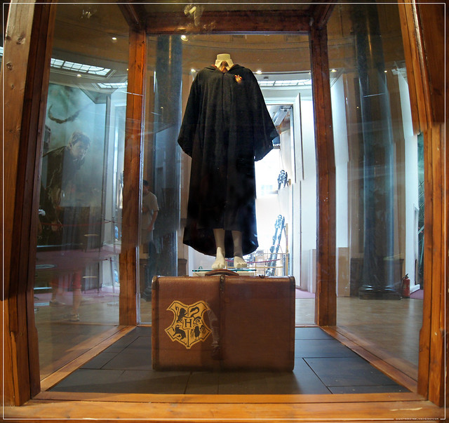 The Establishing Shot: HARRY POTTER EXHIBITION - LONDON FILM MUSEUM: HERMIONE GRANGER'S HOGWARTS UNIFORM