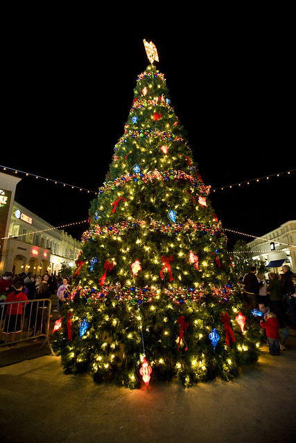 December on the red louisiana boardwalk giant christmas tree flickr