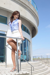 Blue sleeveless top and White skirt_5