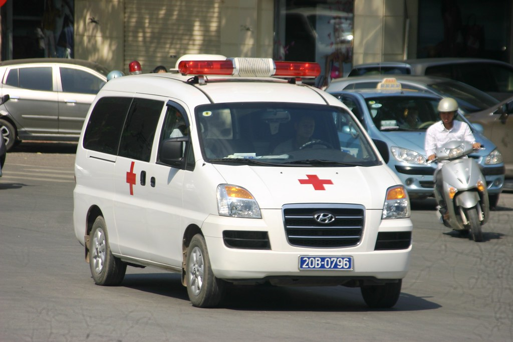 Hyundai H100 - Ambulance - a photo on Flickriver