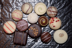 chocolate truffle, brown, sweetness, bonbon, cookies and crackers, food, chocolate, snack food, praline,