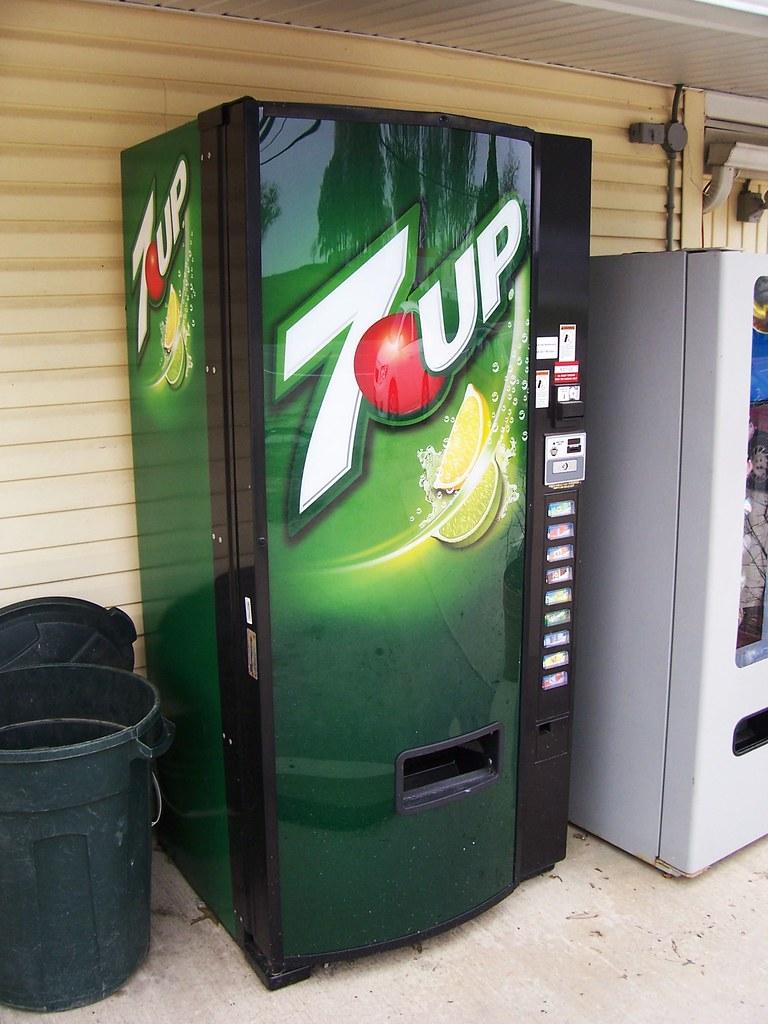 new 7up vending machine a photo on flickriver. Black Bedroom Furniture Sets. Home Design Ideas
