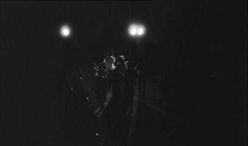 1966 Vợ con Tạ Vinh theo dõi phiên xử của Tòa án đặc biệt