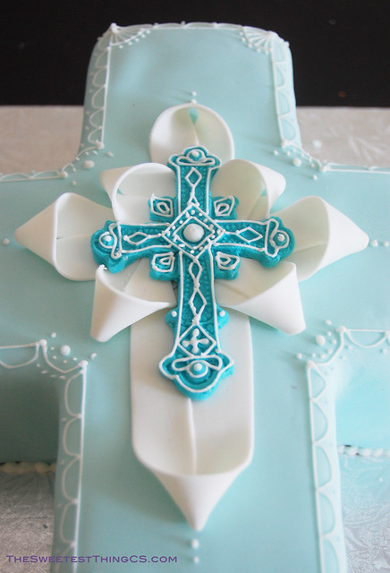 christening cross cake flickr photo sharing. Black Bedroom Furniture Sets. Home Design Ideas
