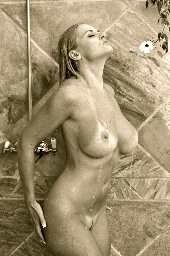 Bobbi eden shower 13:21min