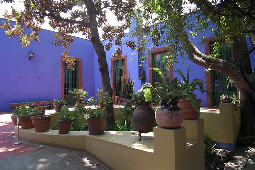 Frida Kahlo Museo (Casa Azul) in Coyoacán (Mexico City, 2011)
