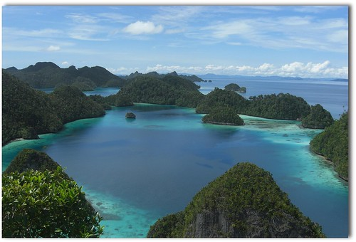 blue seascape paradise tropical papua 2011 july27 kartpostal wayag naturewatcher explored260