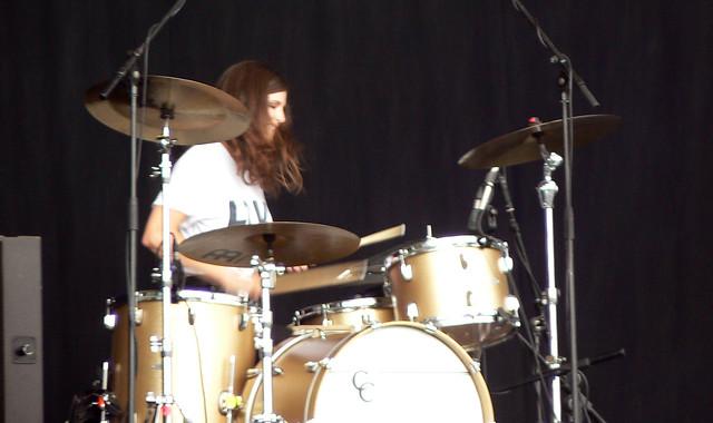 Sarah Jones On Drums For Kele