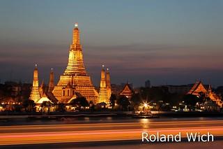 Bangkok - Wat Arun at Dusk