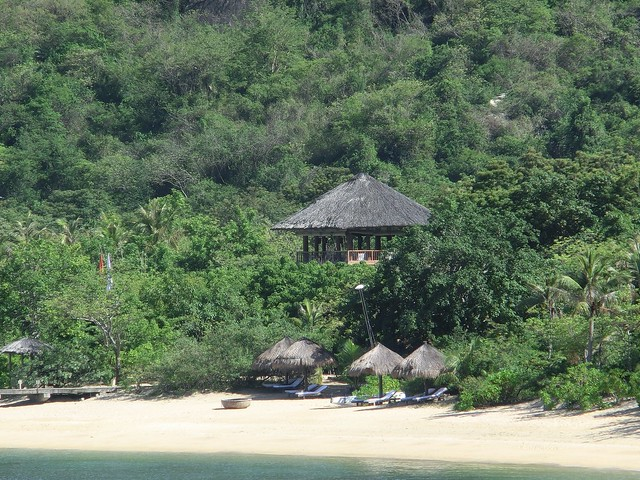 Dining by the pool - Six Senses Ninh Van Bay