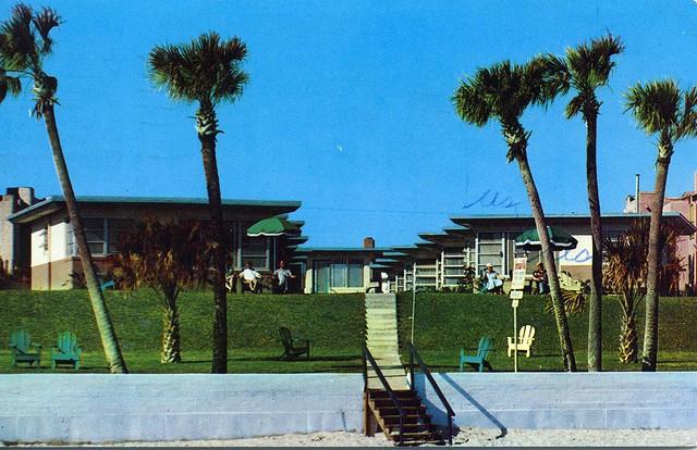 Bermuda Villas Daytona Beach