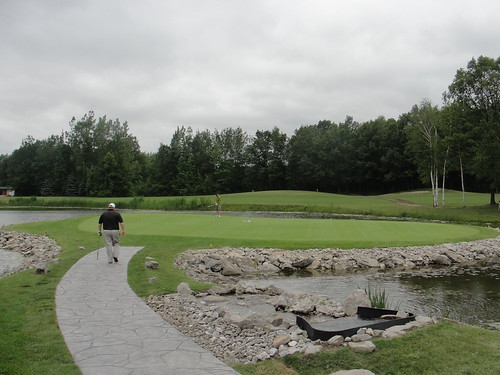 Maple Leaf Golf Course (4)