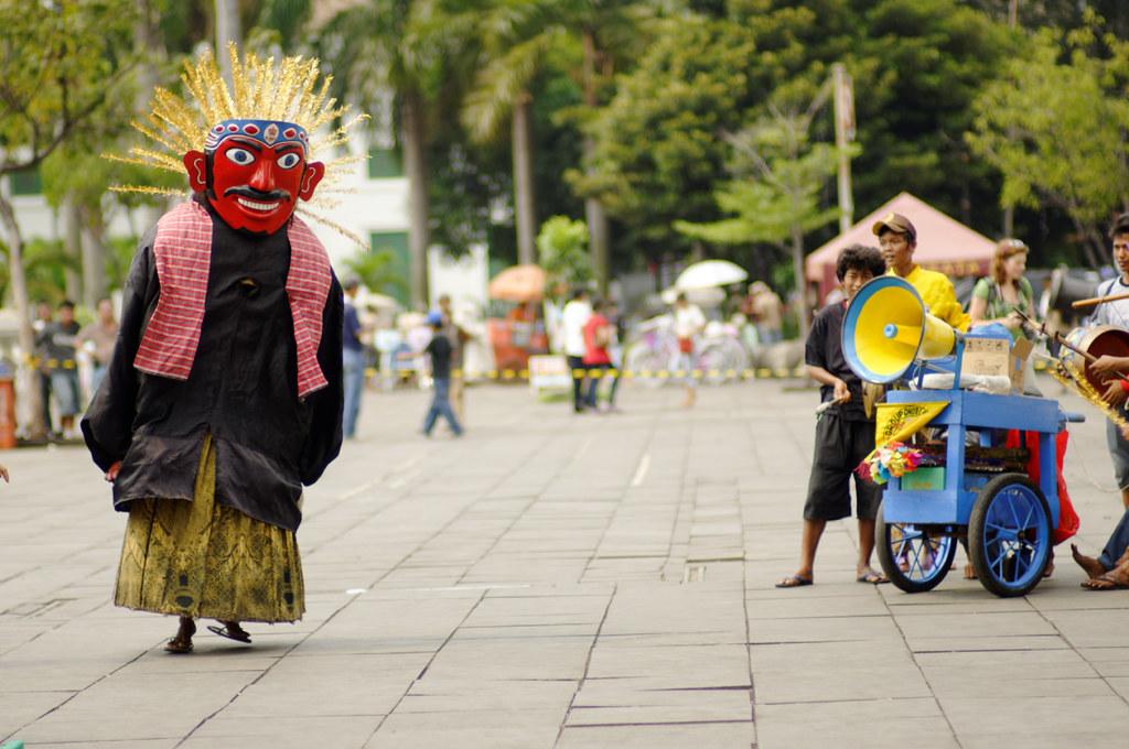 Tarian Ondel Ondel Dancing Ondel Ondel Seniman Seniman Cil Flickr