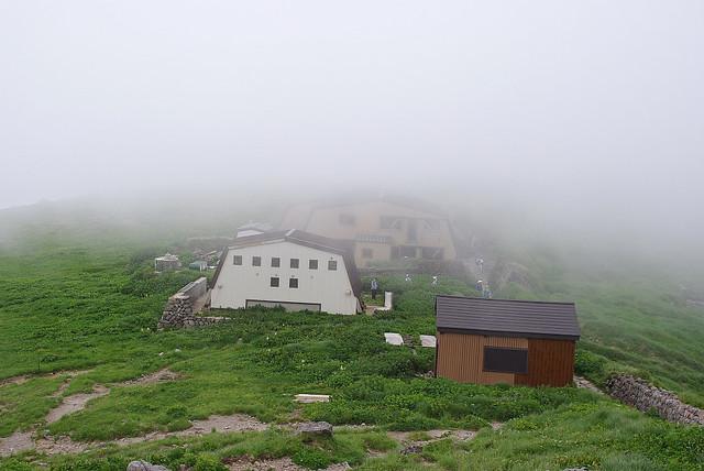 月山山頂小屋