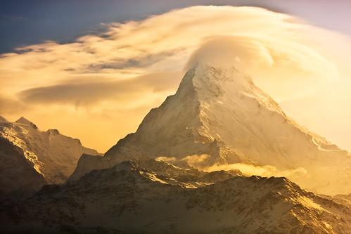 nepal trekking dawn golden peak summit himalaya annapurna poonhill annapurnasouth annapurnai annapurnahimal annapurnarange pichayaviwatrujirapong annapurnasouthsummit sunriseinannapurna
