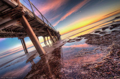 Henley Beach never fail to amuse me :: HDR 7RAW (FP) / Editors Pick in hdrspotting.com