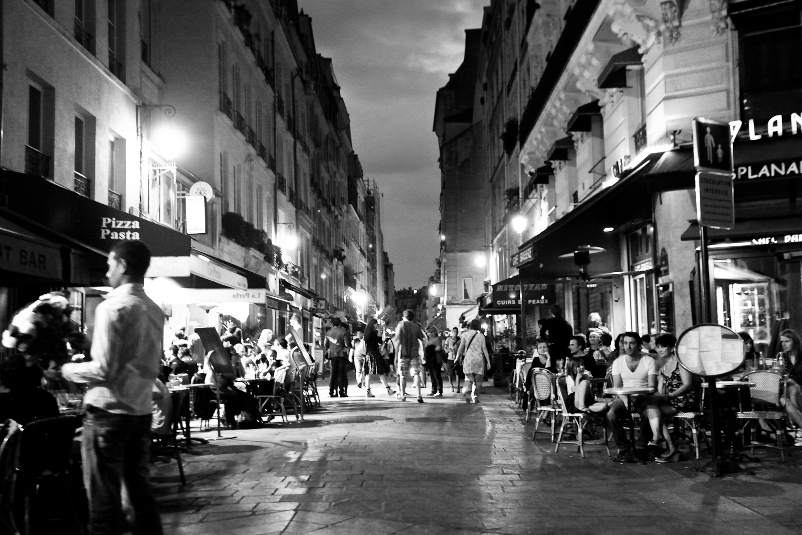 bar rue montorgueil