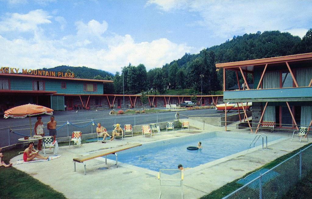 Smokey Mountain Plaza Motel Gatlinburg TN