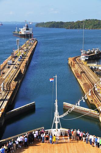 cruise vacation lock panama panamacanal traval lakegatun gatunlock