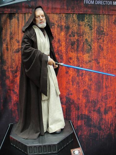 San Diego Comic-Con 2011 - Obi-Wan Kenobi statue (Sideshow Collectibles booth)