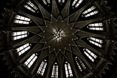 B&W Roof, Hungarian Parliament