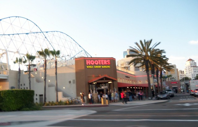 Long Beach Hooters Moving