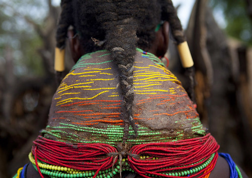africa people tourism horizontal closeup dreadlocks person one beads exterior culture tribal ornament tribes braids tradition tribe ethnic humanbeing plaits oneperson tribo jewel backview necklaces huila colorphoto angola ethnology tribu tourismo southernafrica mwela ethnie ethnicgroup traditionalhairstyle אנגולה 安哥拉 vilanda ангола chibia mumuhuila mwila أنغولا ανγκόλα 앙골라 アンゴラ แองโกลา southangola mumuhuilatribe mwilatribe nontombi vilandanecklace mudnecklace ango70588