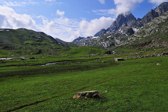 Nichnai Pass