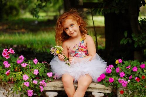 無料写真素材, 人物, 子供  女の子, 人物  花・植物