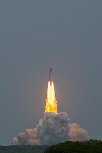 canon tank space stack nasa atlantis shuttle launch viewing teleconverter causeway orbiter sts135