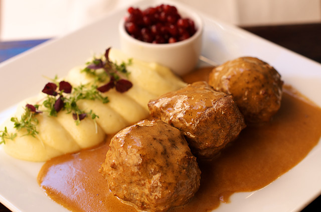 Swedish meatballs with mashed potatoes & lingonberries | Flickr ...