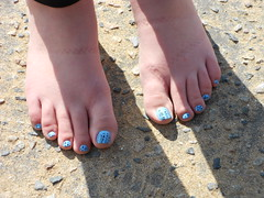 barefoot, limb, foot, nail, blue, toe,