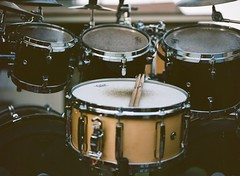 tom-tom drum, percussion, bass drum, timbale, snare drum, drums, drum, timbales, skin-head percussion instrument,