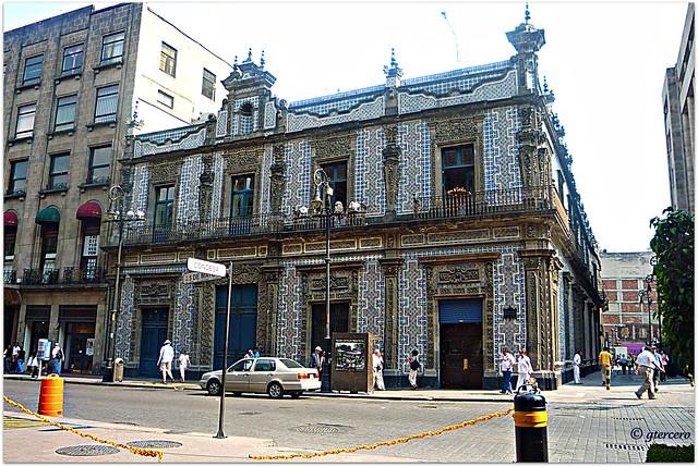 Casa de los azulejos calle condesa y av cinco de mayo for Casa de los azulejos en cordoba