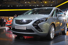 minivan(0.0), automobile(1.0), opel(1.0), sport utility vehicle(1.0), compact mpv(1.0), family car(1.0), vehicle(1.0), automotive design(1.0), compact sport utility vehicle(1.0), auto show(1.0), city car(1.0), land vehicle(1.0),