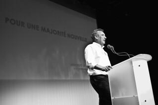 Sarkozy, Hollande : pourquoi Bayrou pourrait ne pas choisir