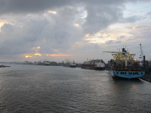 ocean africa sea lagos atlantic westafrica nigeria boxes atlanticocean containers metalboxes apapa apmterminals containerterminals apmollermaersk portonovocreek portofapapa apmterminalsapapa