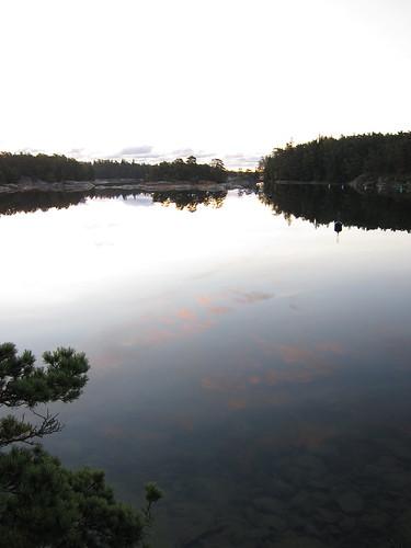 reflection merikarhut matgrufvan matgruvan