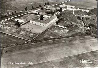 Ekne offentlige skole (1953)
