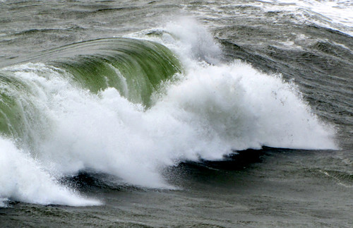 Waves Beenbane Beach