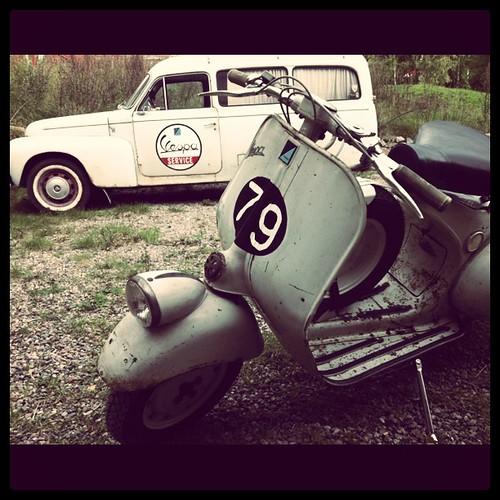 Vespa & Volvo by garagerocker