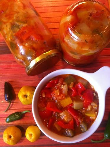 Suvikõrvitsa, tomati, paprika hoidis