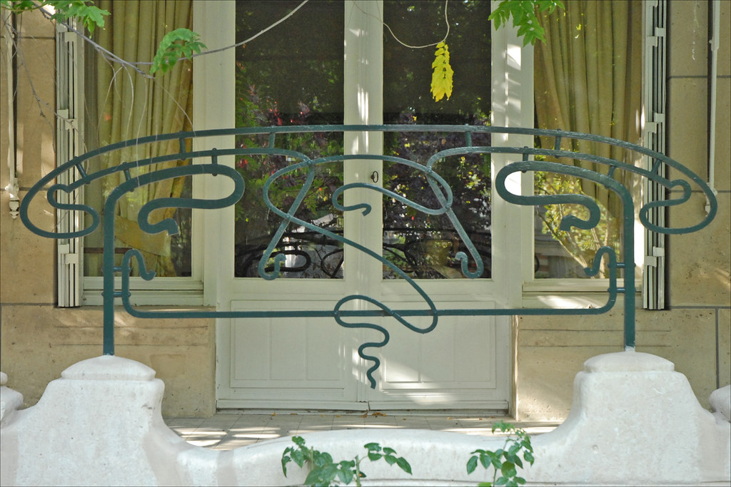 grille en fer forg de la terrasse la hubloti re. Black Bedroom Furniture Sets. Home Design Ideas