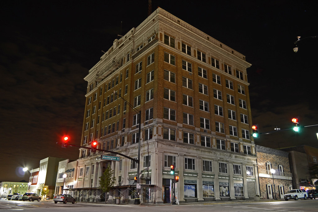 Waukegan Building