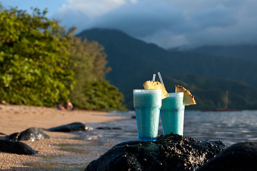 2 Blue Hawai'i on the beach in Hanalei Bay