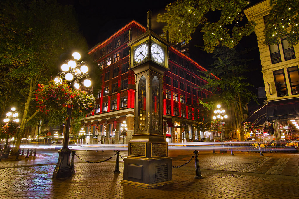 Steam Clock In Historic Gastown Vancouver Bc At Night Hd