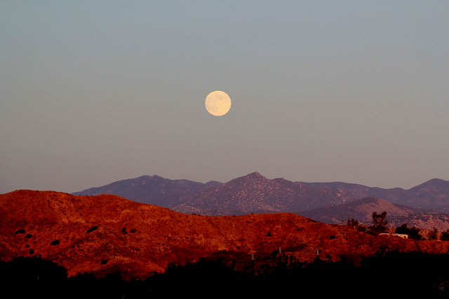 Full Moon Over The Desert Mountains Flickr Photo Sharing