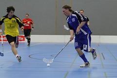 roller hockey(0.0), roller in-line hockey(0.0), indoor field hockey(0.0), stick and ball games(1.0), ball hockey(1.0), floor hockey(1.0), sports(1.0), team sport(1.0), hockey(1.0), player(1.0), floorball(1.0), ball game(1.0),