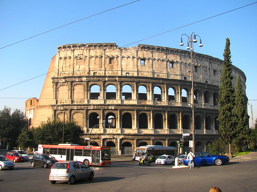 Coliseo by Miradas Compartidas